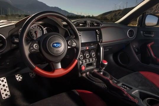 Subaru BRZ: interior