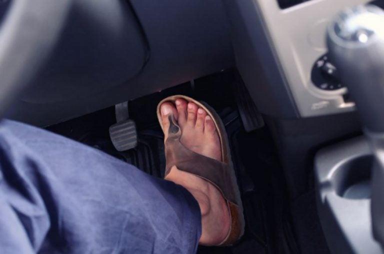 ¿Cuales son los zapatos prohibidos para conducir?