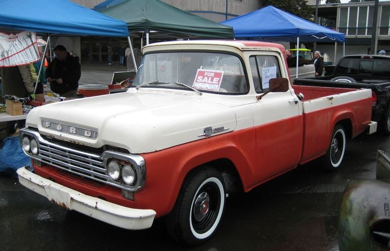 Ford F 100.