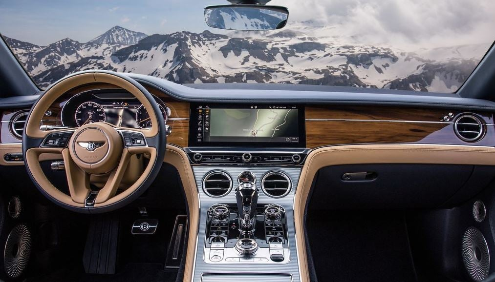 Interior del Bentley Continental GT 2018.