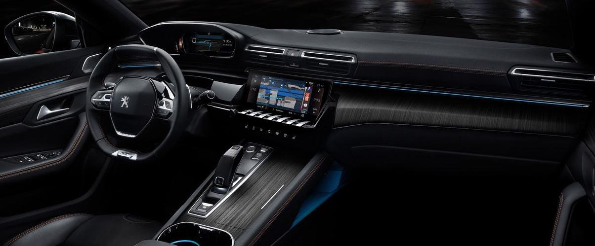 Interior del nuevo Peugeot 508 de 2018.