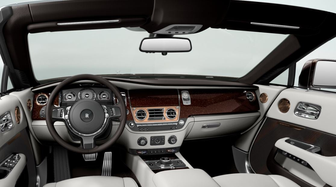Interior del Rolls-Royce Dawn.