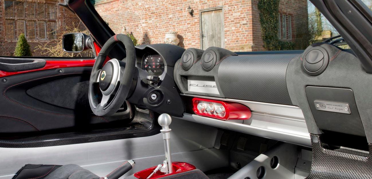Interior del Lotus Elise Sport.