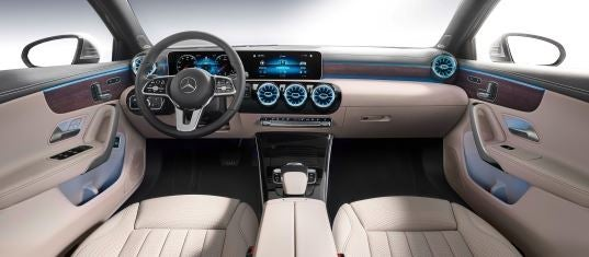 Interior del Mercedes Clase A sedan.