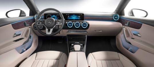 Interior del Mercedes Clase A sedan.