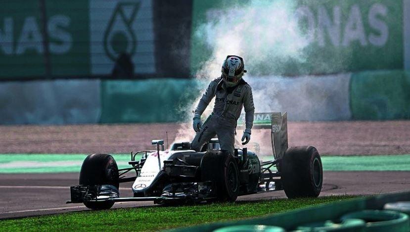 Rotura de motor de Hamilton en Malasia 2016.