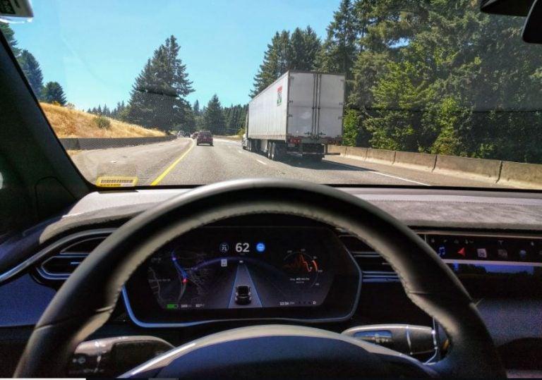 Así funciona el Autopilot de Tesla