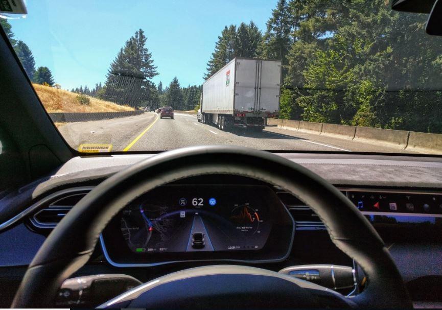 Autopilot de Tesla.