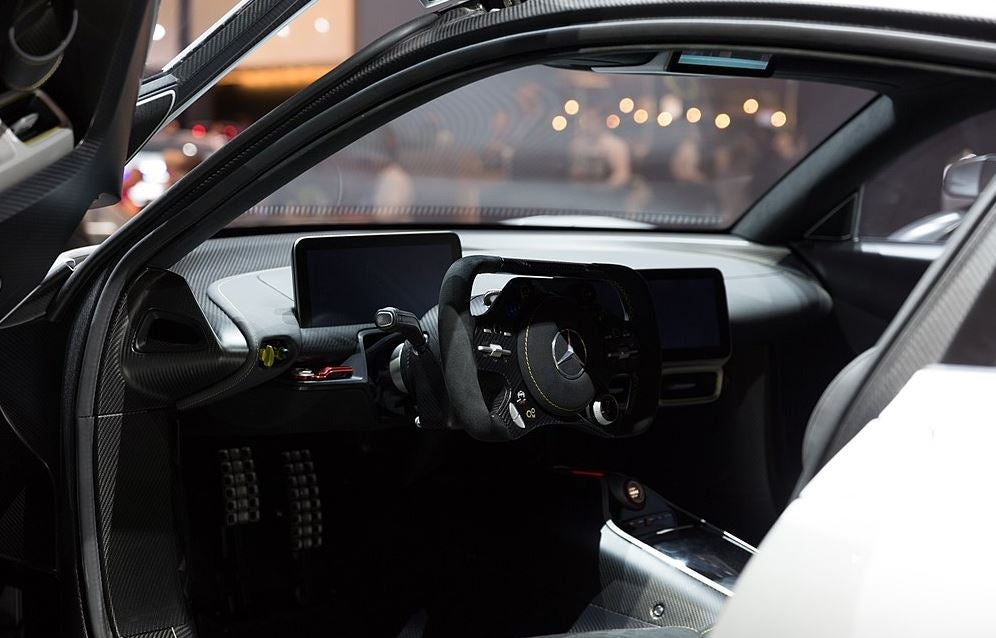 Autopilot Tesla Vs Mercedes