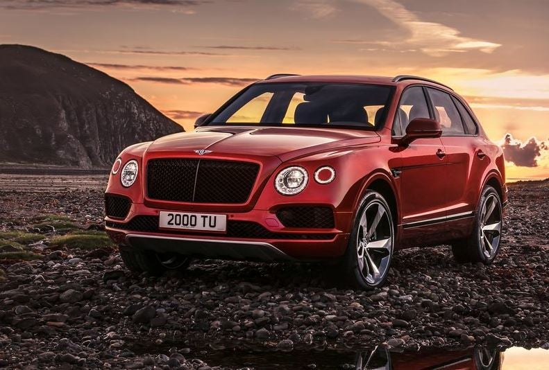 Bentley Bentayga: tarde, pero a lo grande