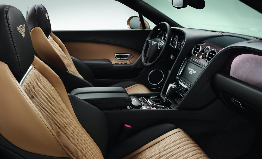 Interior del Bentley Continental GT convertible.