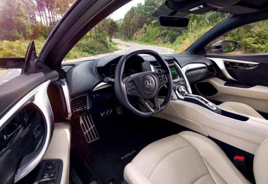 Interior del Honda NSX.