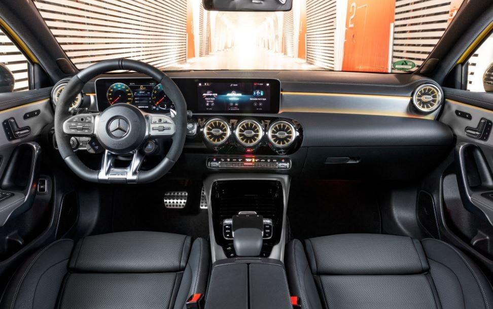 Interior del Mercedes AMG A 35.
