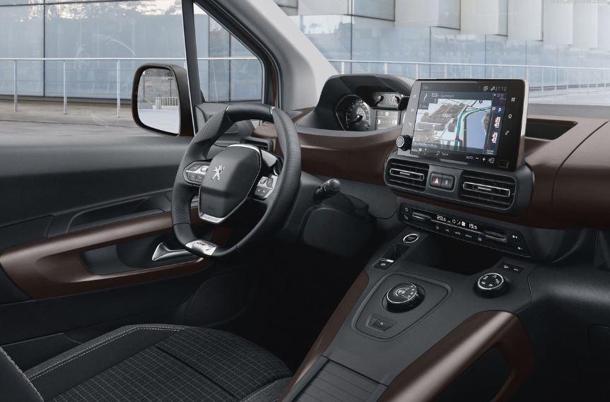 Interior del nuevo Peugeot Rifter.