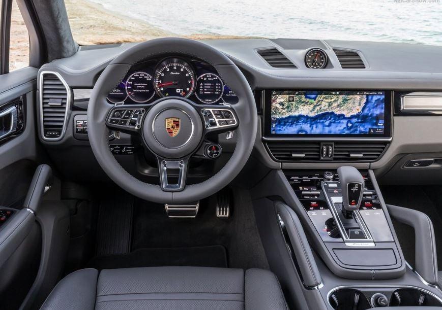 Interior del Porsche Cayenne Turbo.