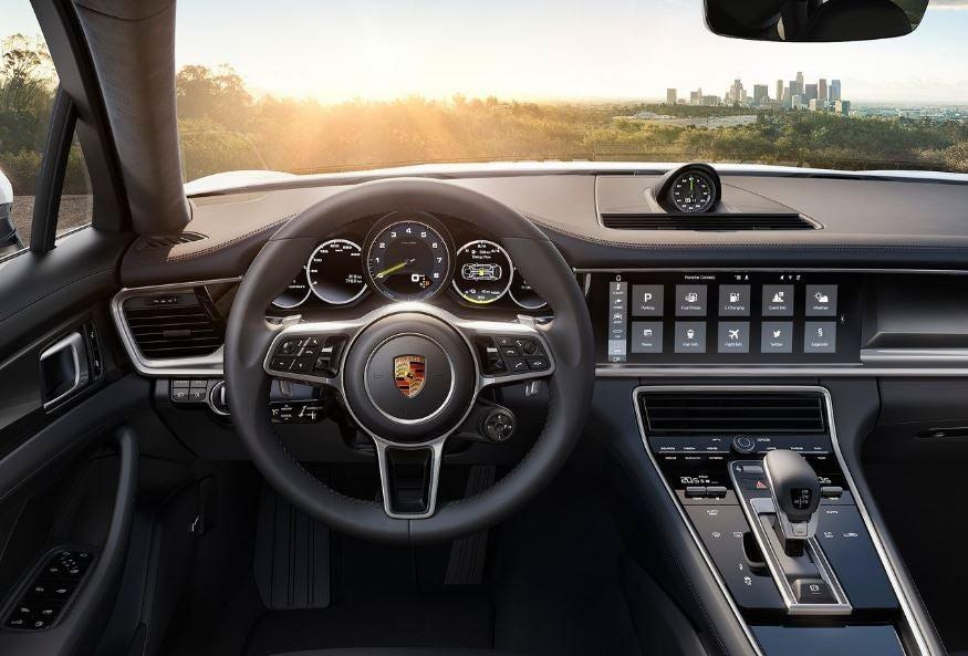 Interior del Porsche Panamera E Hybrid.