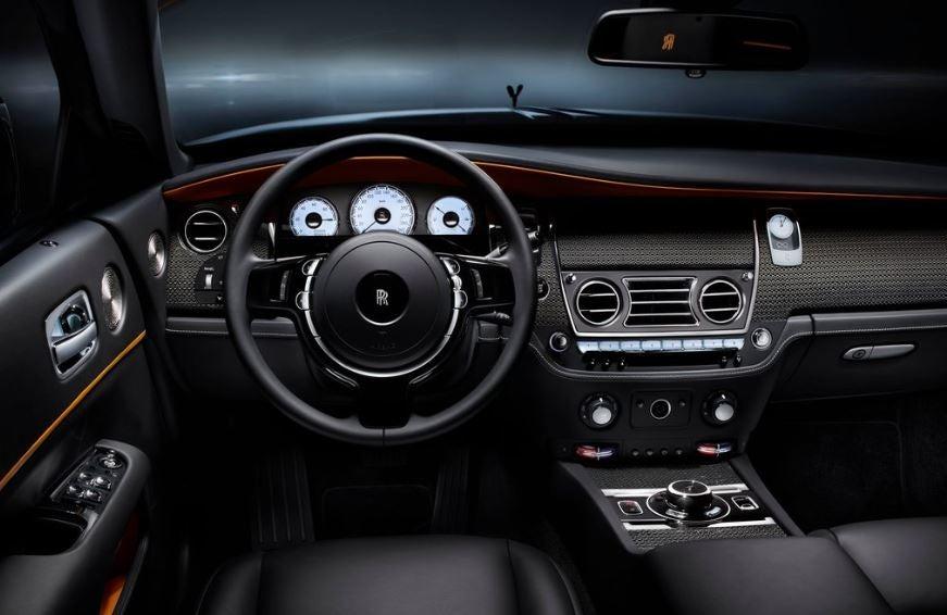 Interior del Rolls Royce Black Badge.