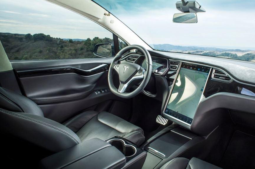 Interior del Tesla Model X.