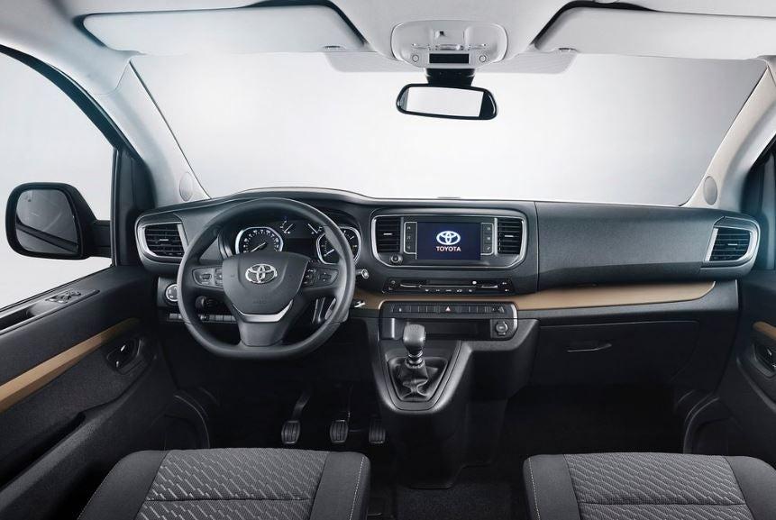 Interior del Toyota Proace Verso.
