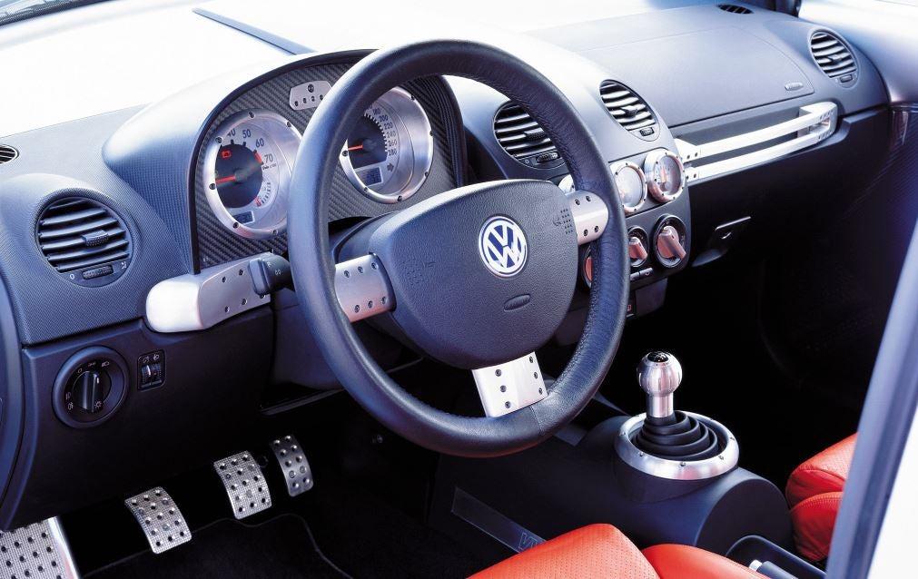 Interior del Volkswagen Beetle RSi.