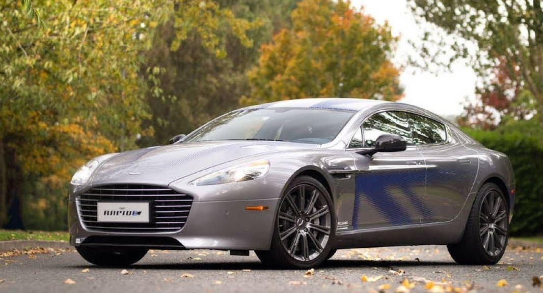 Aston Martin Rapide E por fuera.
