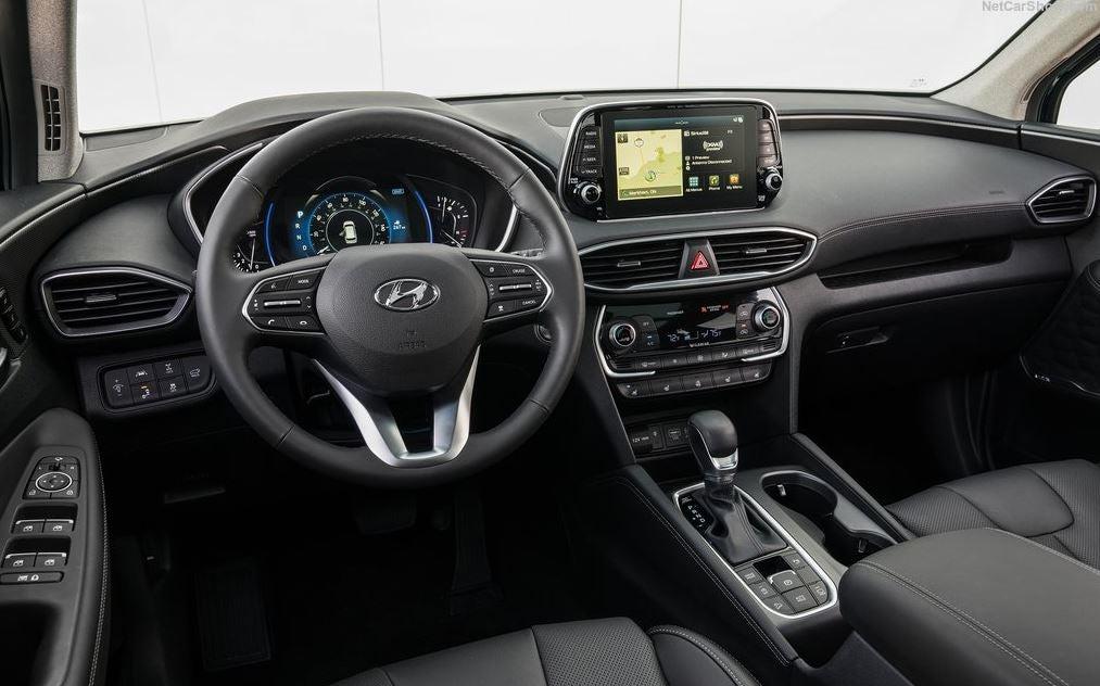 Interior del Hyundai Santa Fe 2018.