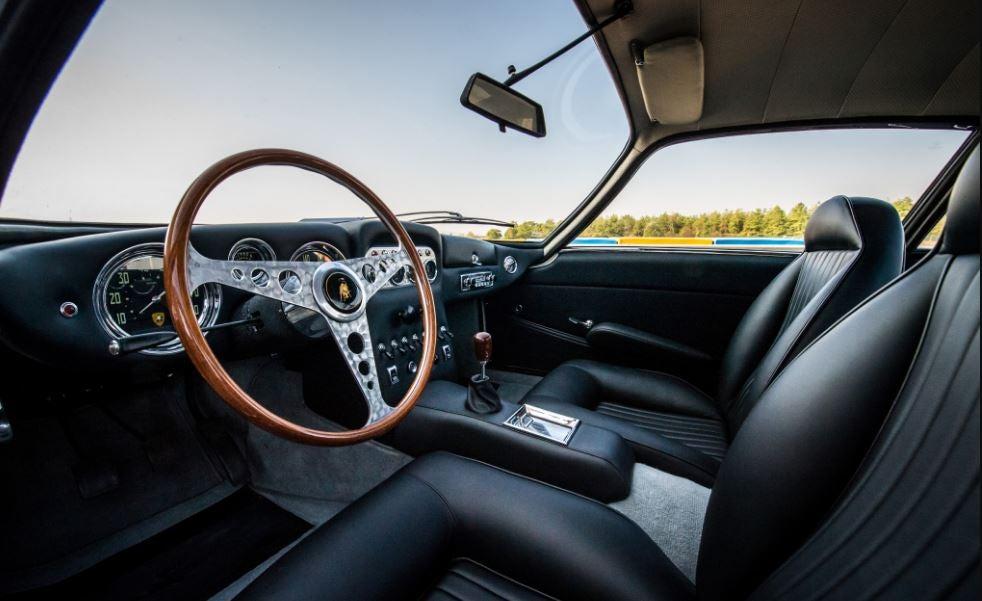 Interior del Lamborghini 350 GT.