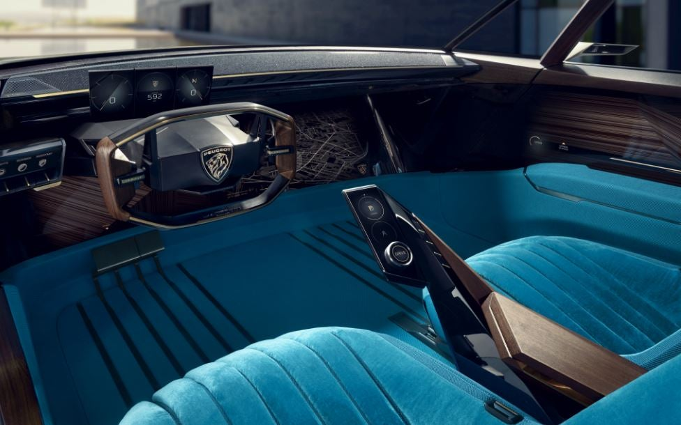 Interior del Peugeot e-leyend Concept.