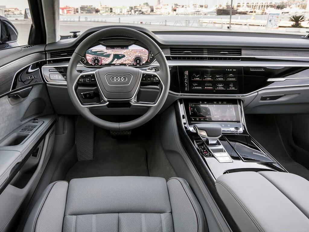 Interior del Audi A8 año 2018