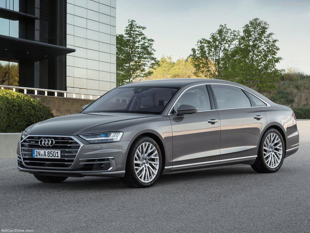 Lateral del Audi A8 del año 2018