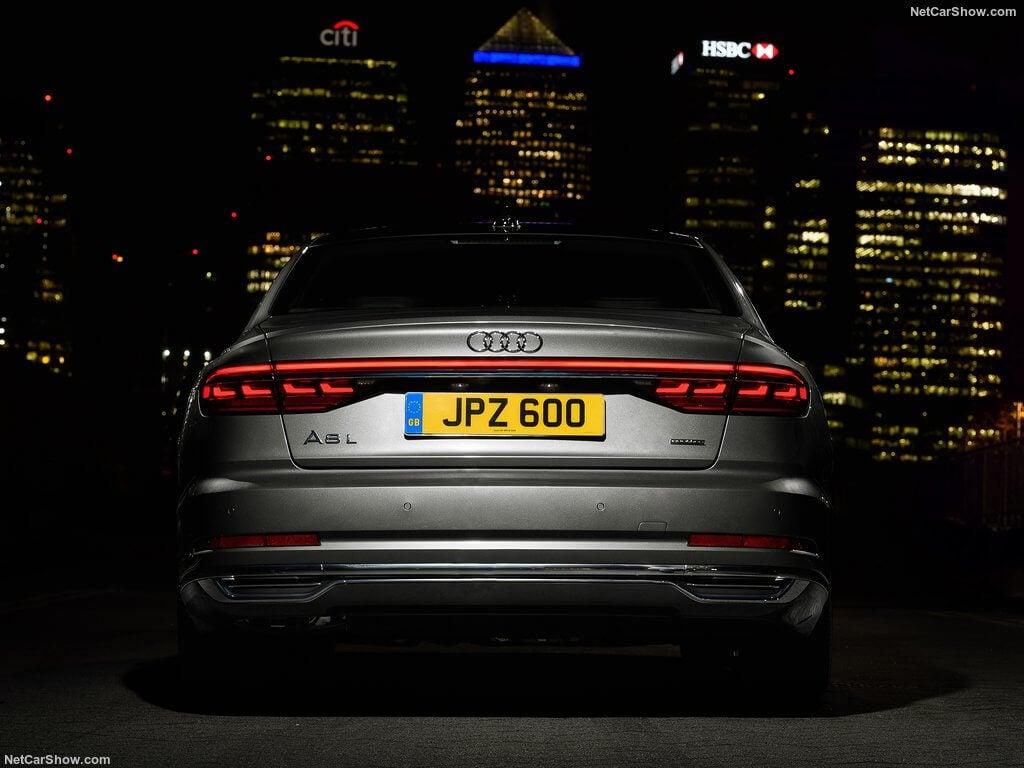 Parte trasera Audi A8 año 2018