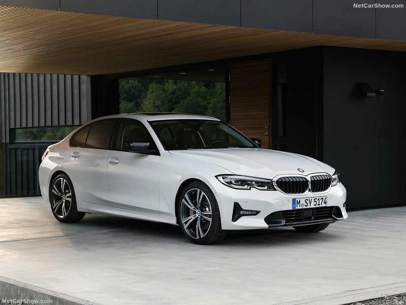 Vista frontal del BMW 3 Series 2019