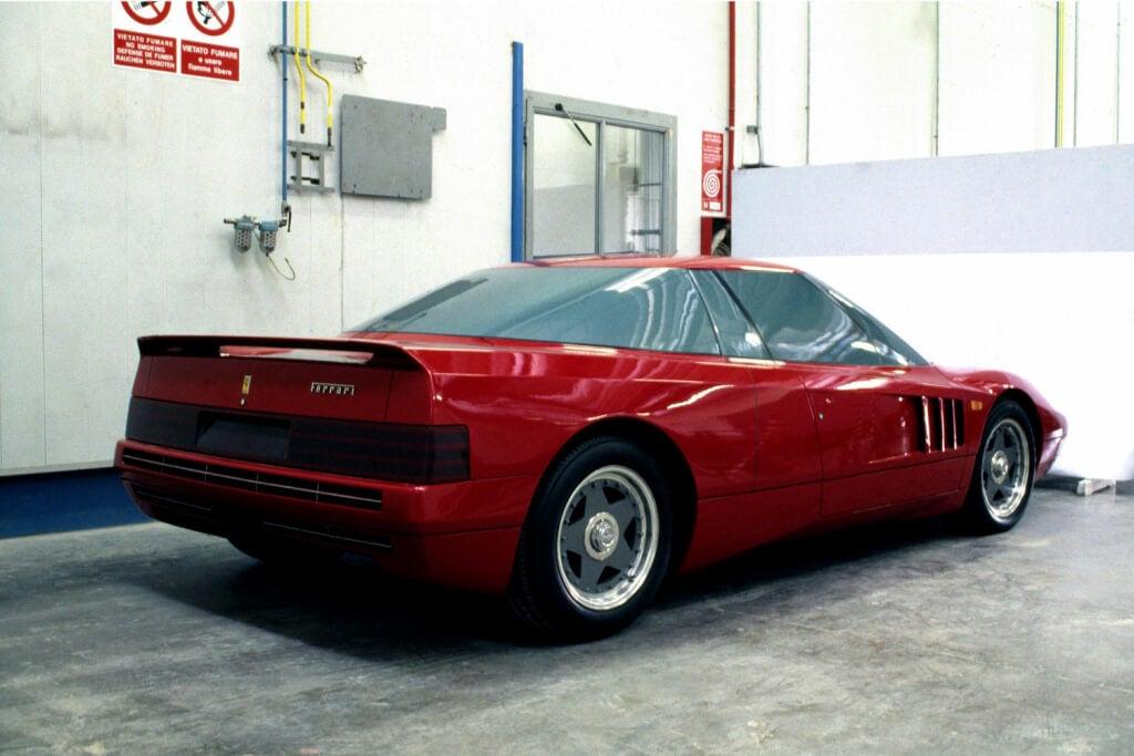 Ferrari 408 4RM: trasera.