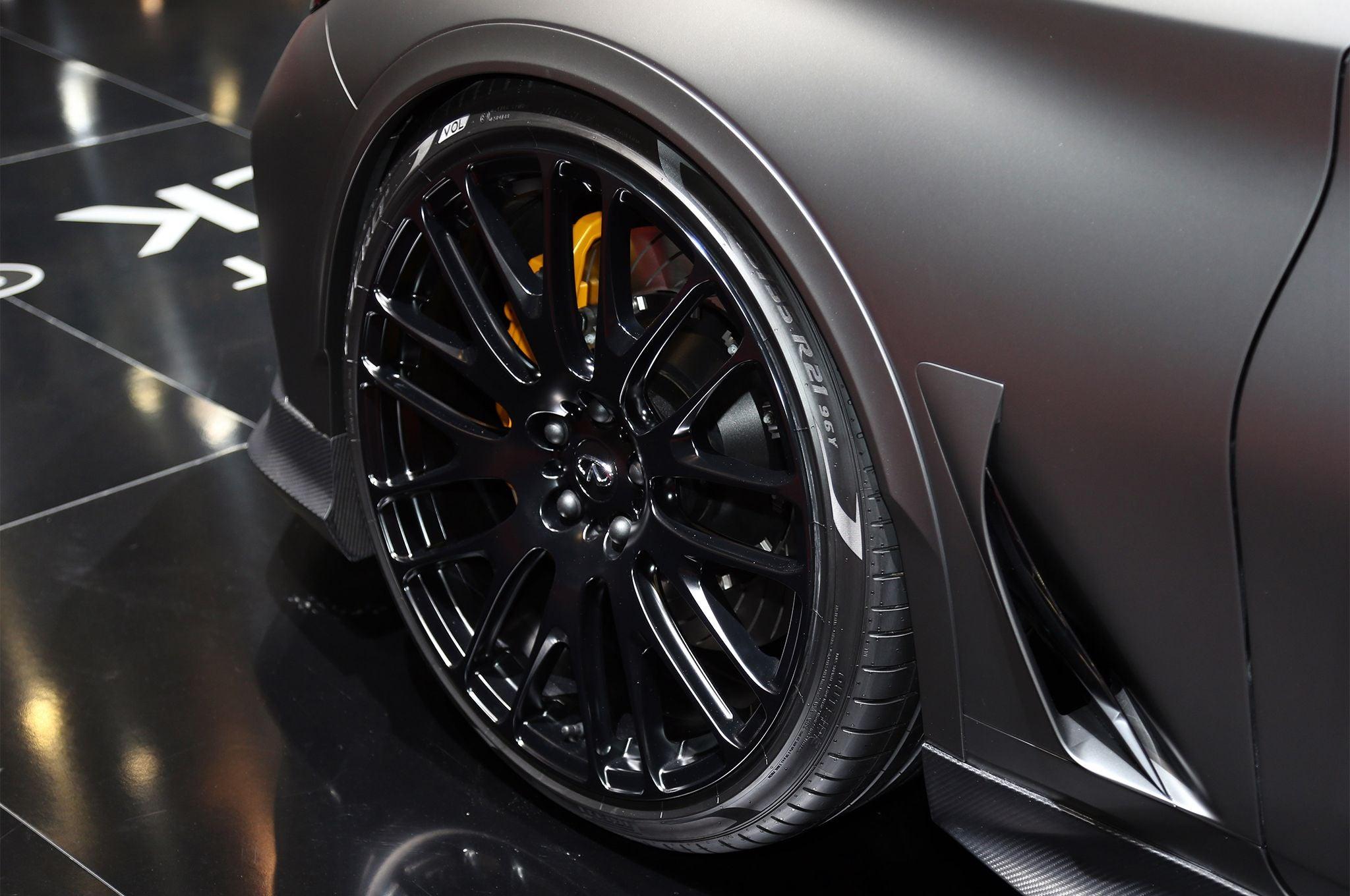 Infiniti Q60 Proyect Black Concept neumaticos