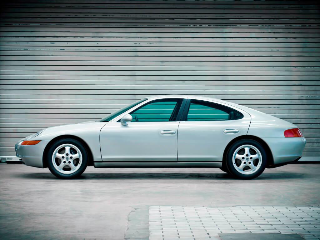 Porsche 989 de perfil