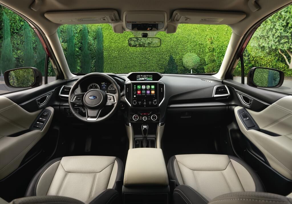 Subaru Forester 2019: habitáculo.