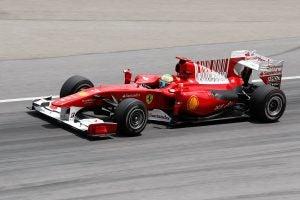 Coche-de-carreras-Ferrari-Dino
