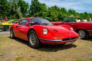 Coche-Ferrari-Dino-206-GT-en-honor-a-Dino-Ferrari