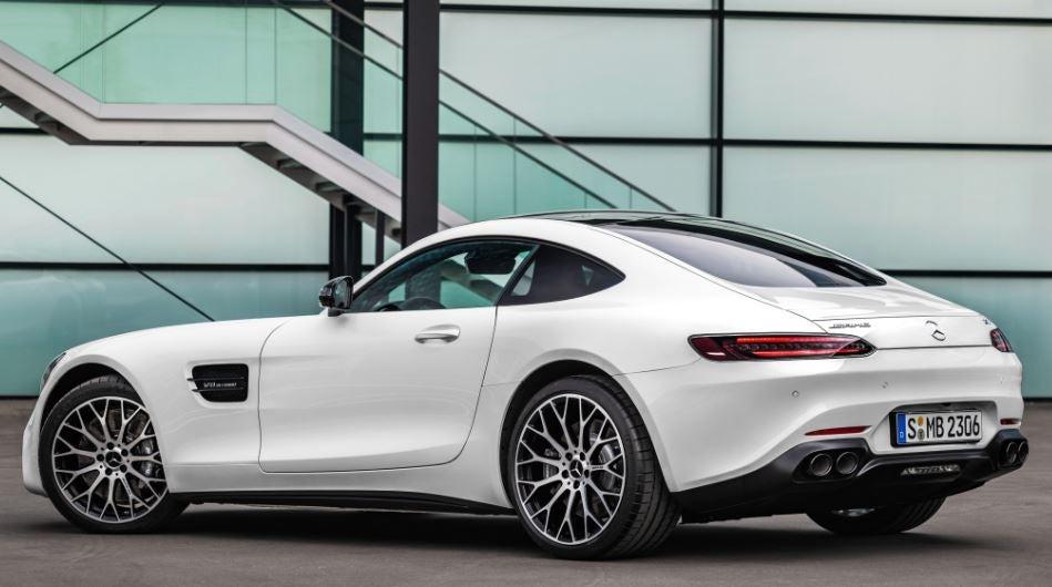 Diseño-del-nuevo-Mercedes-AMG-GT-R