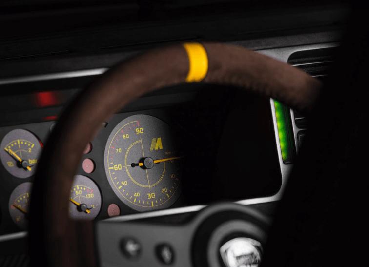 Lancia Delta Futurista by Automobili Amos: instrumentación