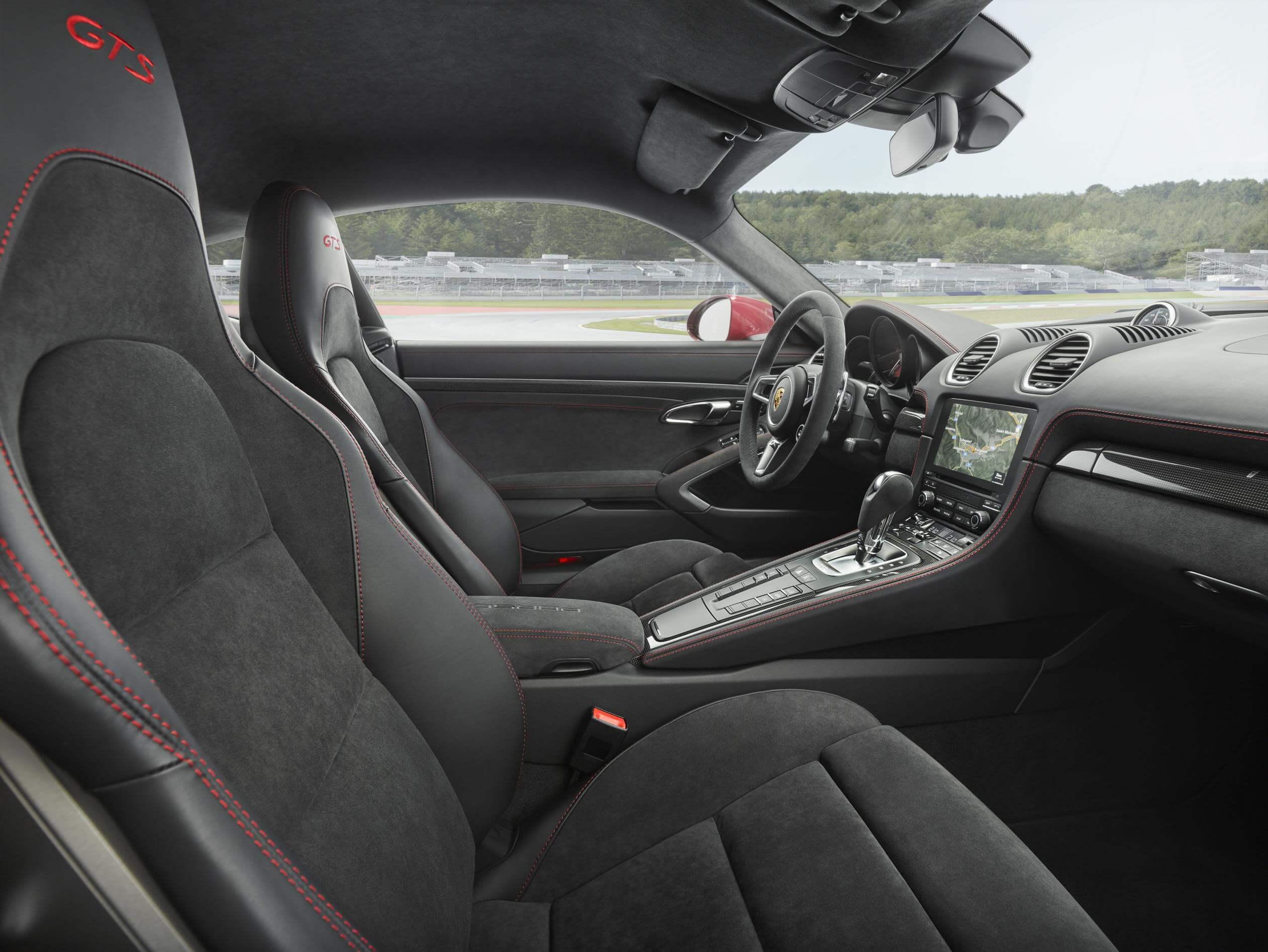 Porsche 718 GTS: interior