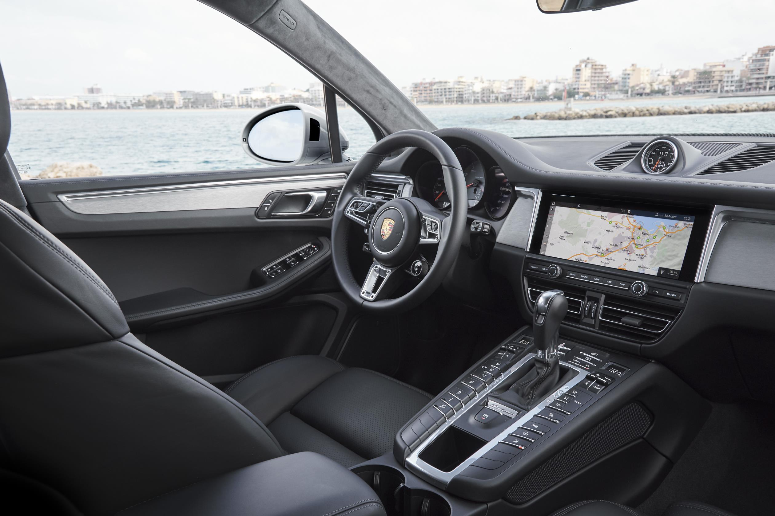 Porsche Macan S 2019: interior