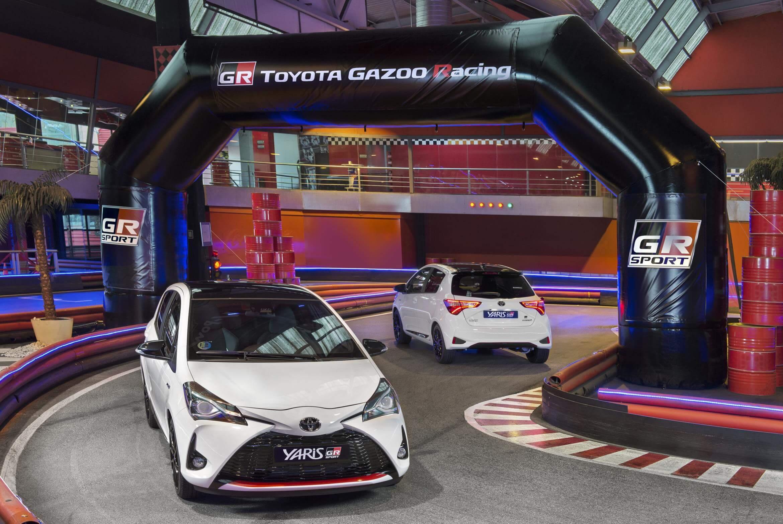 Toyota Yaris GR-Sport: frontal y trasera
