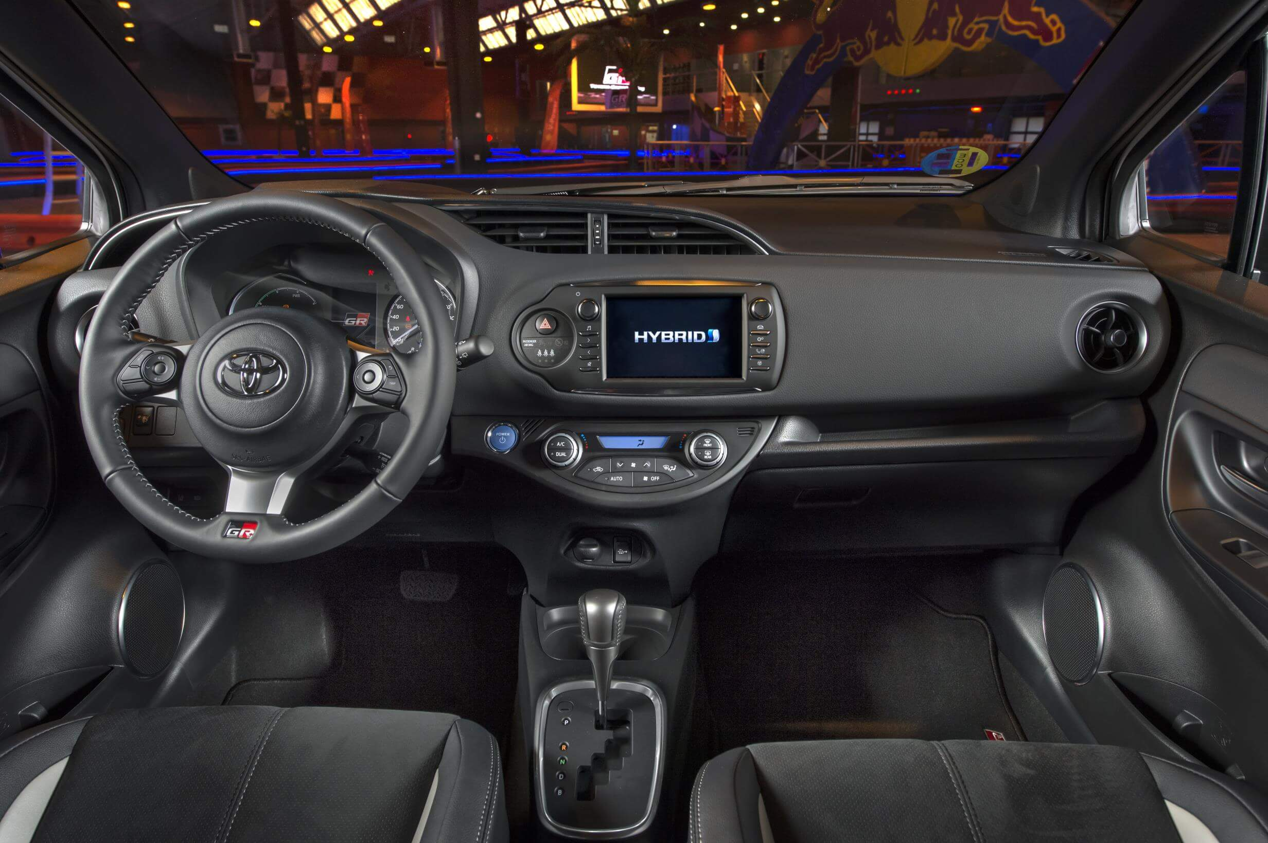 Toyota Yaris GR-Sport: interior