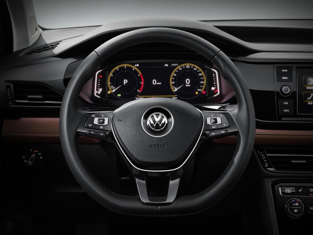 interior del volkswagen tharu 2018
