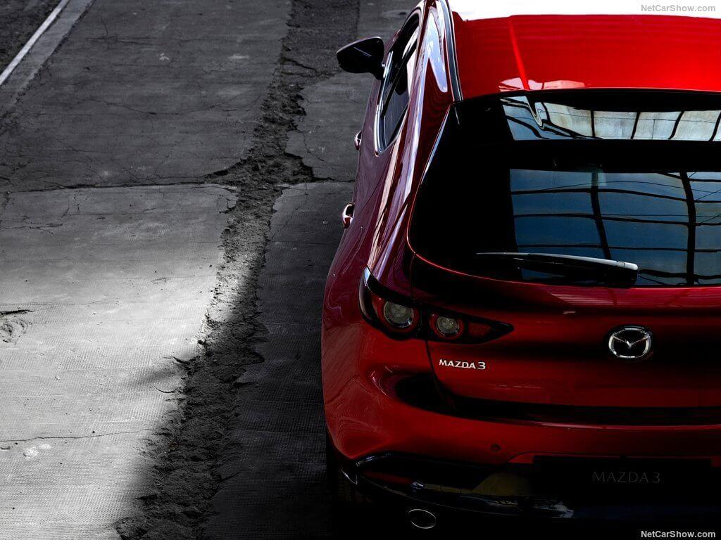 Mazda 3 2019 vs Honda Civic