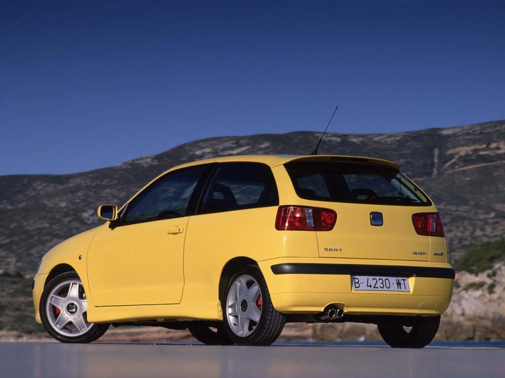 SEAT Ibiza Cupra: zaga.