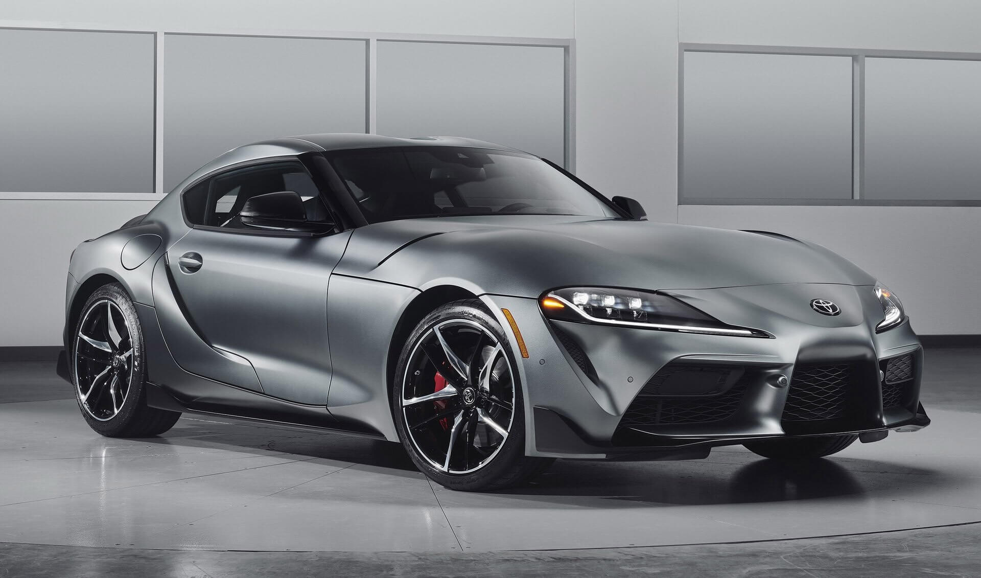 Toyota GR Supra: frontal.