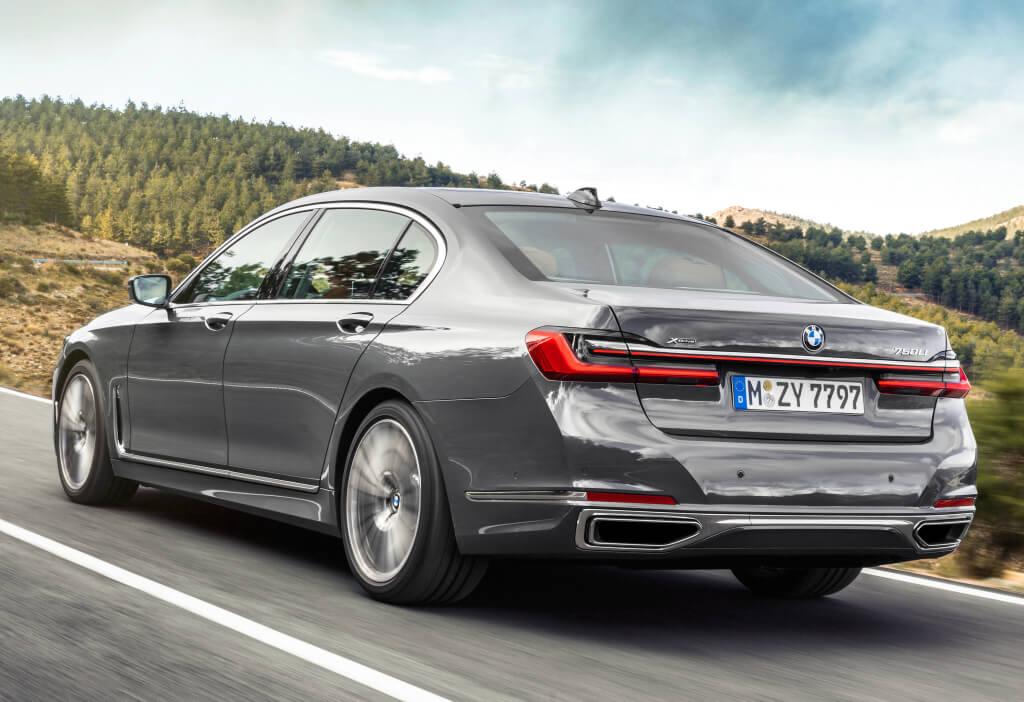 BMW Serie 7: zaga.