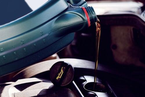Cómo cambiar aceite del coche